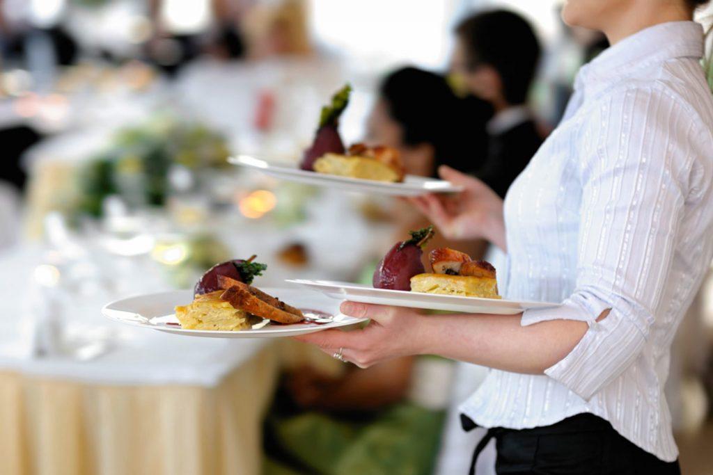 La qualité du service à table dépend beaucoup de la disposition des tables dans la salle